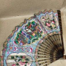 Oggetti Antichi: ABANICO ANTIGUO VARILLADO DE MADERAPINTADO A MANO CHINA. Lote 275692563
