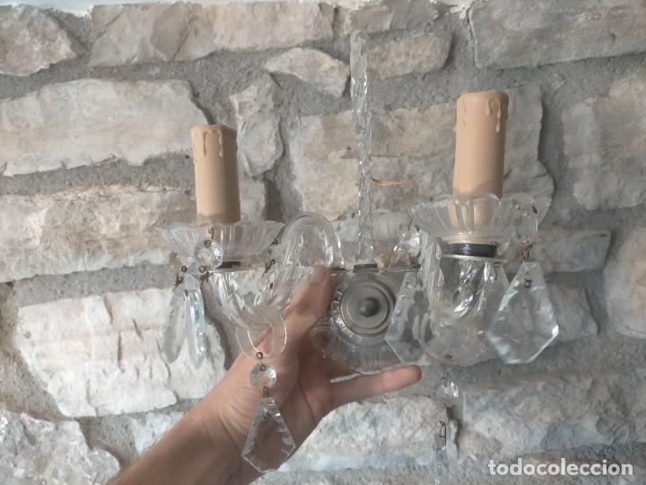 Antigüedades: Pareja de lamparas / apliques de cristal tallado y lagrimas años 40-50 - Foto 2 - 275788288