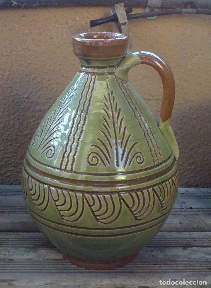 BOTIJO O CÁNTARO DE TERRACOTA CON DECORACIÓN ESGRAFIADA Y POSTERIOR BARNIZADO. A. MOLINA - TALAVERA (Antigüedades - Porcelanas y Cerámicas - Talavera)