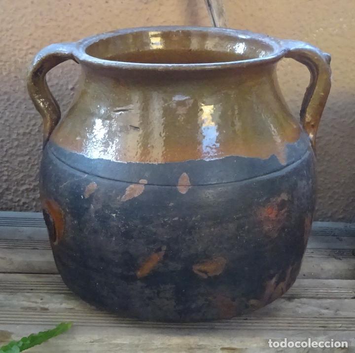 Antigüedades: OLLA DE TERRACOTA BARNIZADA EN SU INTERIOR Y PARCIALMENTE EN SU EXTERIOR. ALTURA 18 CM - Foto 2 - 275793538