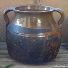 Antigüedades: OLLA DE TERRACOTA BARNIZADA EN SU INTERIOR Y PARCIALMENTE EN SU EXTERIOR. ALTURA 18 CM. Lote 275793538