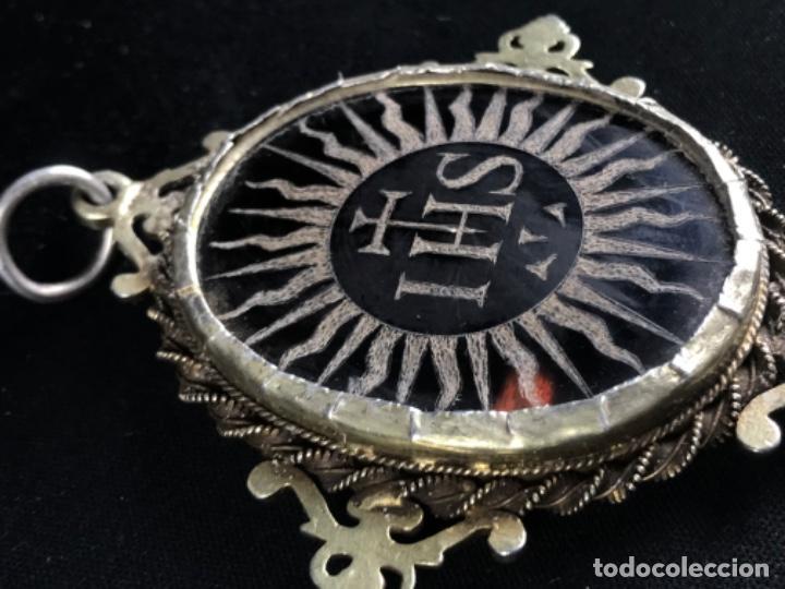 Antigüedades: RELICARIO DEVOCIONARIO COLONIAL EN PLATA DORADA. MADRE PERLA Y ~CAREY GRABADO ~JESUITAS~SG XVIII - Foto 10 - 275795533