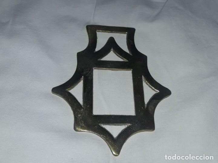 Antigüedades: Antiguo adorno de bronce caballería Ingles - Foto 2 - 275797468