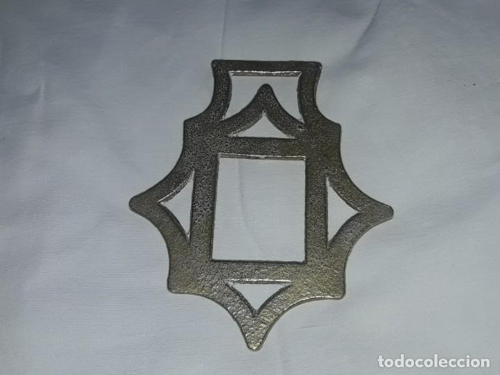 Antigüedades: Antiguo adorno de bronce caballería Ingles - Foto 3 - 275797468