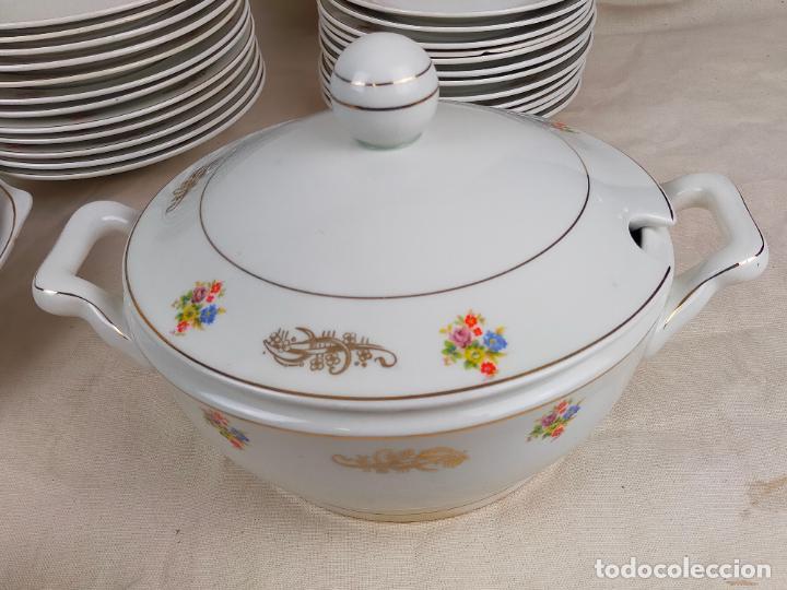 Antigüedades: vajilla porcelana royal china vigo platos y bandejas - ribete dorado - Foto 3 - 275879953