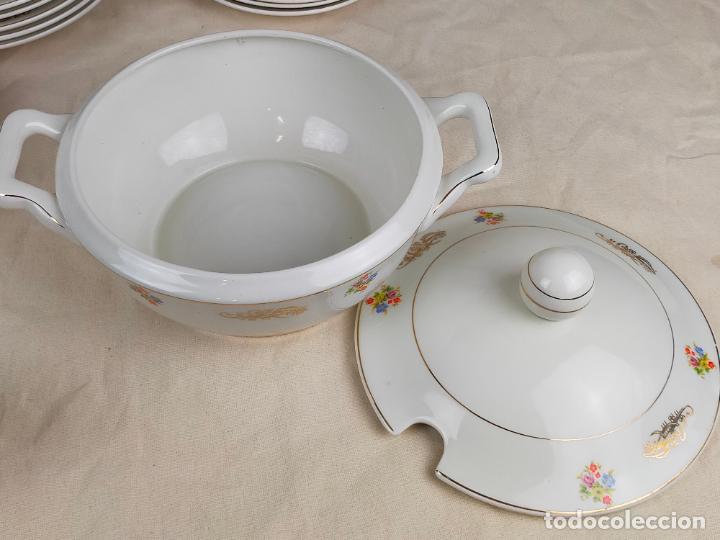 Antigüedades: vajilla porcelana royal china vigo platos y bandejas - ribete dorado - Foto 4 - 275879953