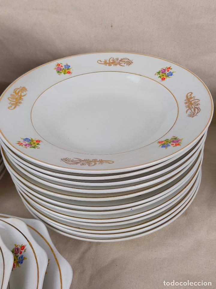 Antigüedades: vajilla porcelana royal china vigo platos y bandejas - ribete dorado - Foto 6 - 275879953