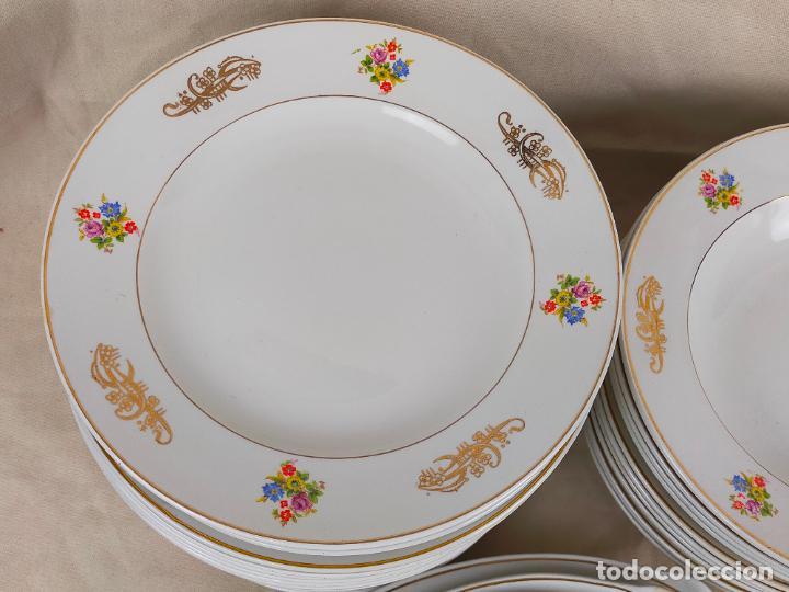Antigüedades: vajilla porcelana royal china vigo platos y bandejas - ribete dorado - Foto 7 - 275879953