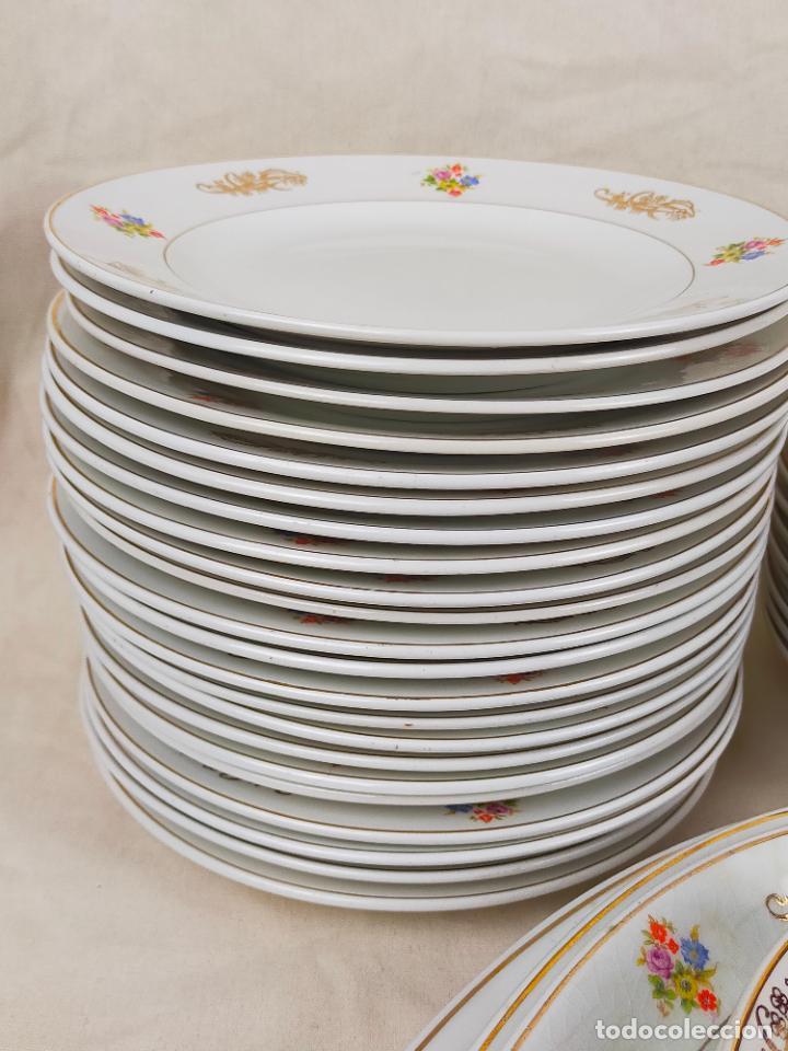 Antigüedades: vajilla porcelana royal china vigo platos y bandejas - ribete dorado - Foto 8 - 275879953