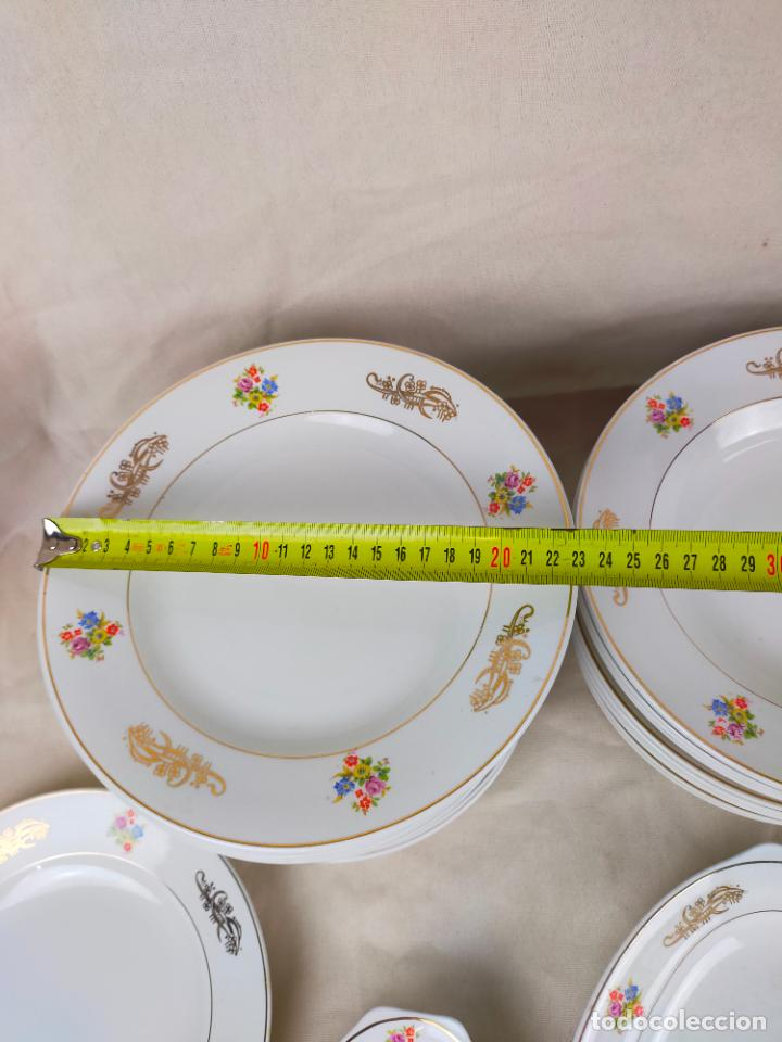Antigüedades: vajilla porcelana royal china vigo platos y bandejas - ribete dorado - Foto 13 - 275879953