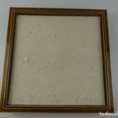 Antiquités: VINTAGE EXPOSITOR DE PARED IDEAL COLECCIONES DE MEDALLAS O SIMILAR. Lote 275907978