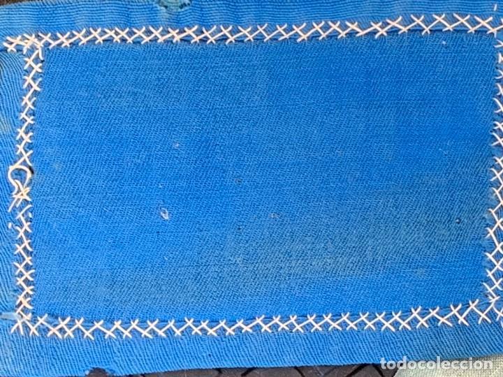 Antigüedades: ESCAPULARIO ANTIGUO TELA IMPRESA S XIX BORDADO FLORES VIRGEN INMACULADA 9,5X7CMS - Foto 3 - 275921678