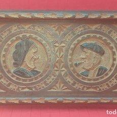 Antigüedades: BANDEJA DE MADERA DE HAYA TALLADA MEDIADOS SIGLO XX. Lote 275921993