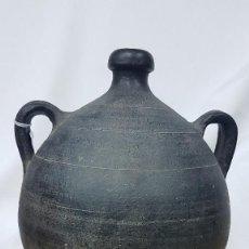 Antigüedades: USOS DEL VINO BARRAL DE QUART. CERÁMICA NEGRA. Lote 275922488