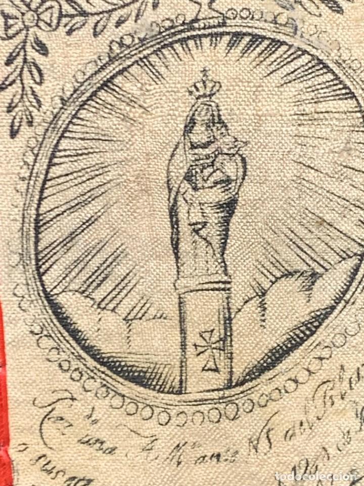 Antigüedades: ANTIGUO ESCAPULARIO TELA FLORES S XIX NUESTRA SEÑORA DEL PILAR 7,5X5CMS - Foto 3 - 275922533