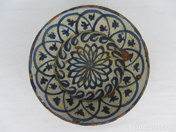 FUENTE EN CERÁMICA AZUL DE FAJALAUZA, SIGLO XIX (Antigüedades - Porcelanas y Cerámicas - Fajalauza)