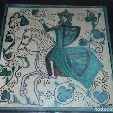 Antigüedades: EXCEPCIONAL ANTIGUA GRAN BALDOSA HIDRÁULICA FIRMADA JINETE A CABALLO ENMARCADA 38X38CM. Lote 275972263