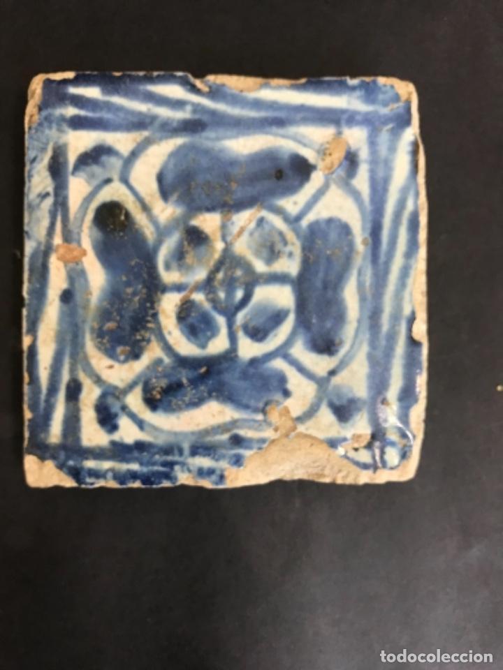 AZULEJO GOTICO VALENCIANO. (8,5 X 8,5 CM) SIGLO XV. OLAMBRILLA. (Antigüedades - Porcelanas y Cerámicas - Manises)
