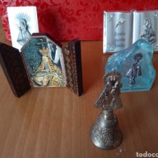 Antigüedades: BONITO LOTE RELIGIOSO CAMPANA Y TRÍPODE DE MADERA. Lote 276134183