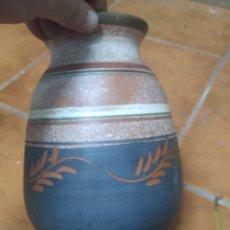 Antigüedades: PRECIOSO FLORERO DE CERÁMICA VERDU, PARA DECORACIÓN. Lote 276165388