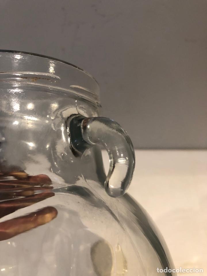 Antigüedades: Tarro de vidrio transparente, manijas dobles ornamentadas únicas,ver las fotos y la descripción - Foto 6 - 276206738