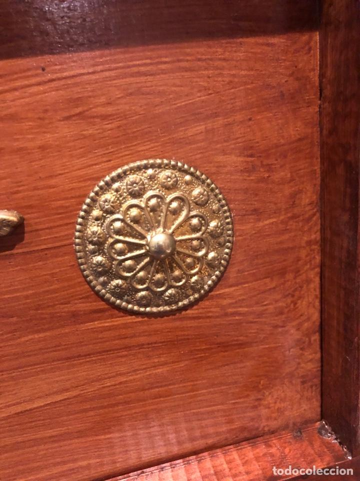 Antigüedades: Antiguo baúl o caja madera antigua decorada con insignia republicana espano suiza y escudo militar . - Foto 5 - 276211798