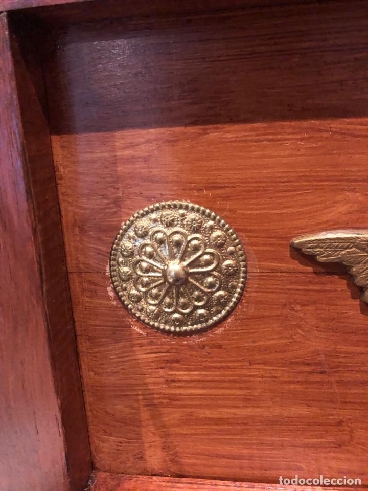 Antigüedades: Antiguo baúl o caja madera antigua decorada con insignia republicana espano suiza y escudo militar . - Foto 6 - 276211798