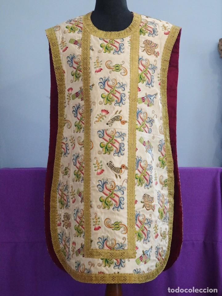 Antigüedades: Singular casulla de origen chino o filipino en seda bordada. Siglo XVIII. - Foto 2 - 276221758
