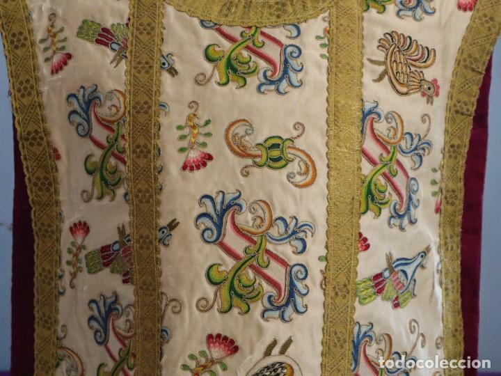 Antigüedades: Singular casulla de origen chino o filipino en seda bordada. Siglo XVIII. - Foto 6 - 276221758