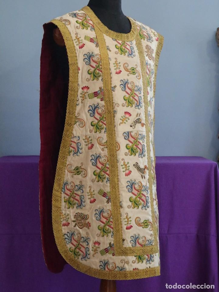 Antigüedades: Singular casulla de origen chino o filipino en seda bordada. Siglo XVIII. - Foto 15 - 276221758