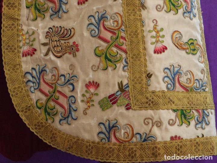 Antigüedades: Singular casulla de origen chino o filipino en seda bordada. Siglo XVIII. - Foto 19 - 276221758