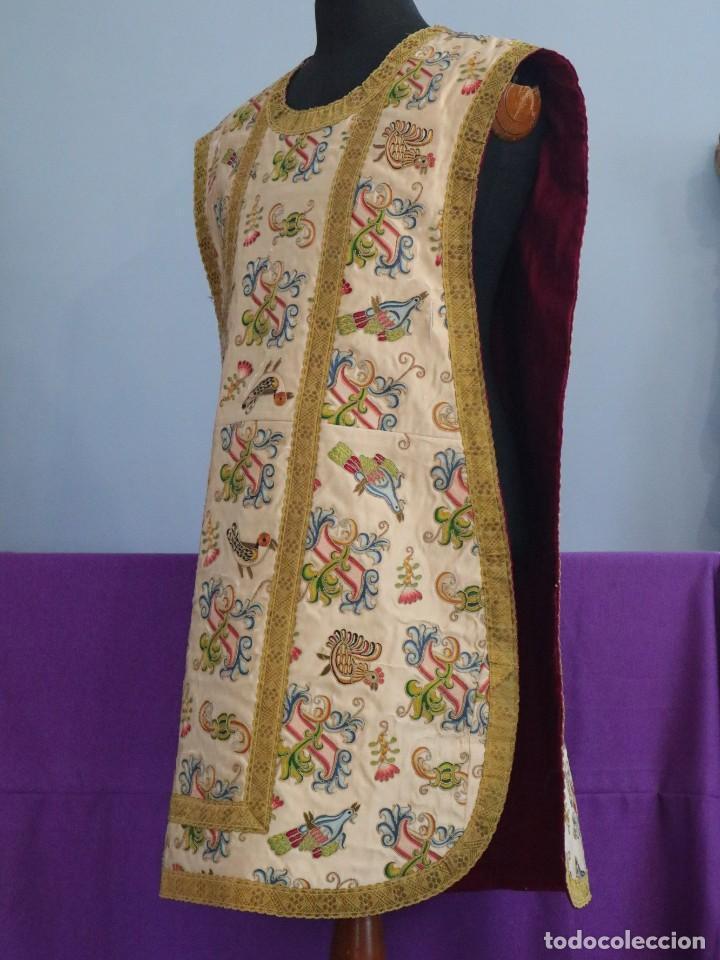 Antigüedades: Singular casulla de origen chino o filipino en seda bordada. Siglo XVIII. - Foto 20 - 276221758