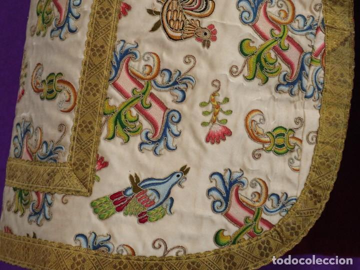 Antigüedades: Singular casulla de origen chino o filipino en seda bordada. Siglo XVIII. - Foto 24 - 276221758