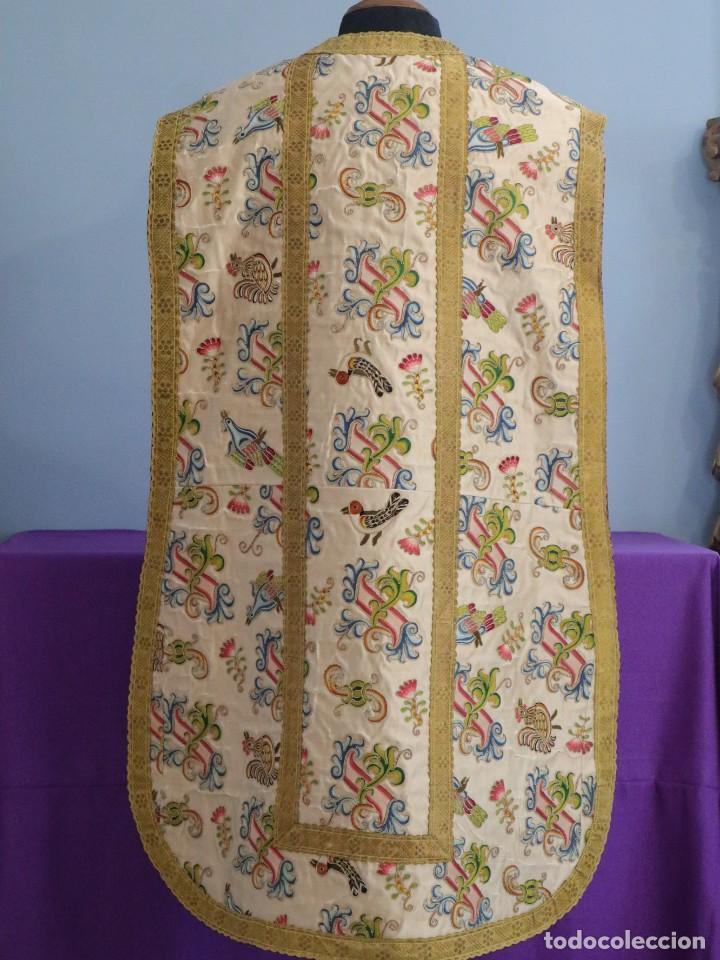 Antigüedades: Singular casulla de origen chino o filipino en seda bordada. Siglo XVIII. - Foto 25 - 276221758