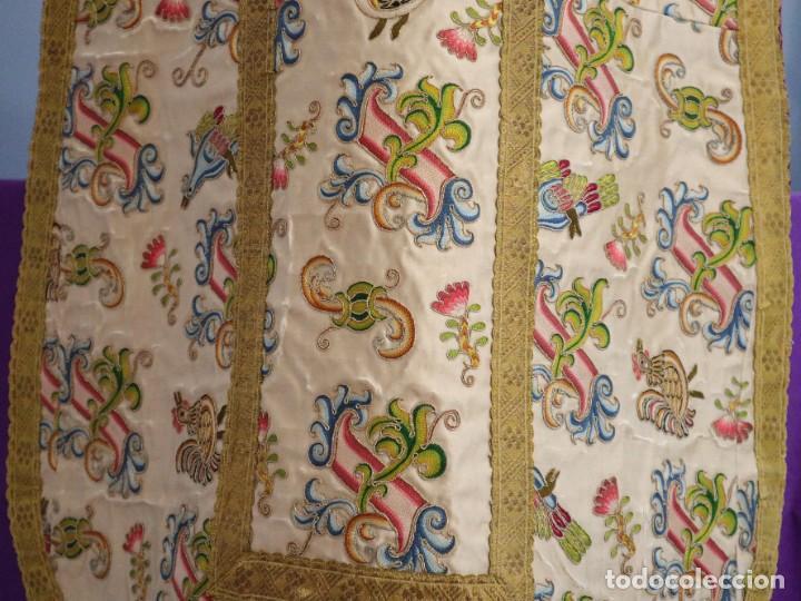 Antigüedades: Singular casulla de origen chino o filipino en seda bordada. Siglo XVIII. - Foto 31 - 276221758