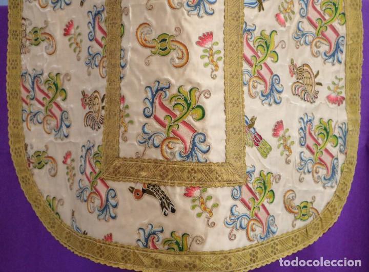 Antigüedades: Singular casulla de origen chino o filipino en seda bordada. Siglo XVIII. - Foto 33 - 276221758