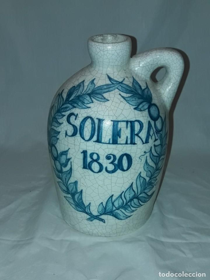 Antigüedades: Bella garrafa de cerámica craquelada firmada Benlloch Manises Amontillado Solera 1830 21cm - Foto 2 - 276227698
