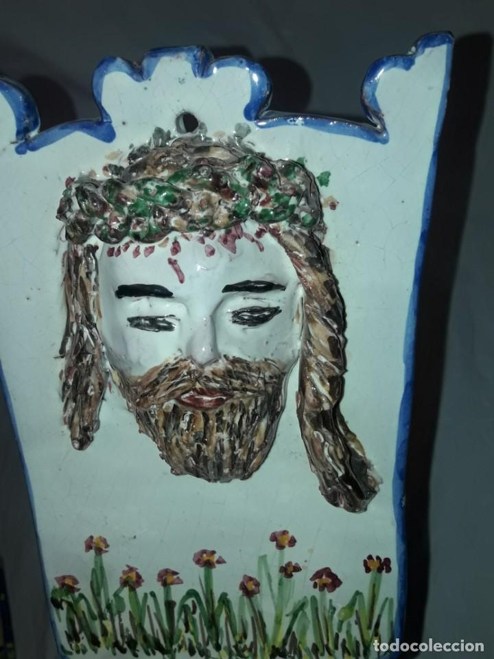 Antigüedades: Exclusiva pieza única benditera Ecce Homo Cer. Pajares de Arroyo de la Luz Cáceres 27cm - Foto 2 - 276228898