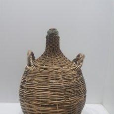 Antiquités: ANTIGUA GARRAFA O DAMAJUANA FORRADA DE MIMBRE. Lote 276273638