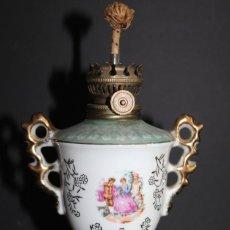 Antigüedades: ANTIGUA LAMPARA QUINQUE DE PORCELANA JAPON. Lote 276286163