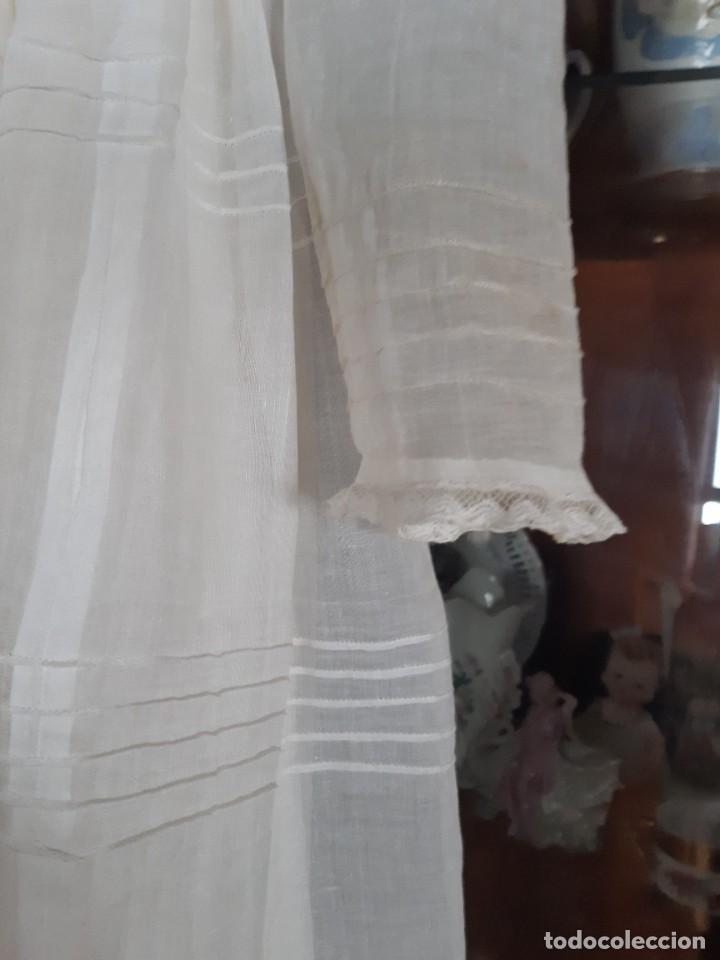 Antigüedades: ANTIGUO VESTIDO DE PRIMERA COMUNION, DE ORGANDIL, CON ALFORSITAS, BOTONES FORRADOS, LIMOSNERA Y - Foto 5 - 276359003