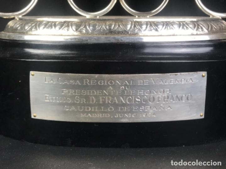 Antigüedades: TROFEO DE LAURELES PLATA DE LEY. 966GR~CASA REGIONAL DE VALENCIA A DON FRC. FRANCO~ PRESIDENTE HONOR - Foto 23 - 276360798