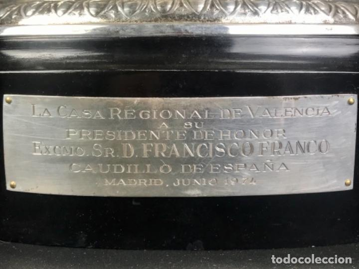Antigüedades: TROFEO DE LAURELES PLATA DE LEY. 966GR~CASA REGIONAL DE VALENCIA A DON FRC. FRANCO~ PRESIDENTE HONOR - Foto 24 - 276360798