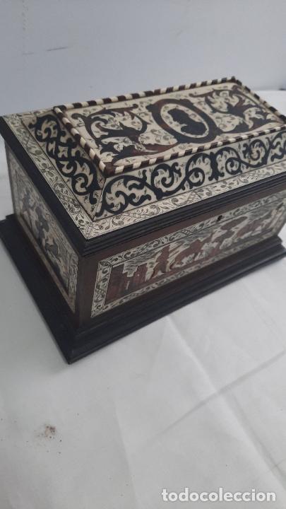 MAGNIFICA CAJA DE SIGLO XIX CON TARACEA MARQUETERIA CAREY , FINISIMO TRABAJO CON CERTIFICADO (Antigüedades - Muebles Antiguos - Baúles Antiguos)