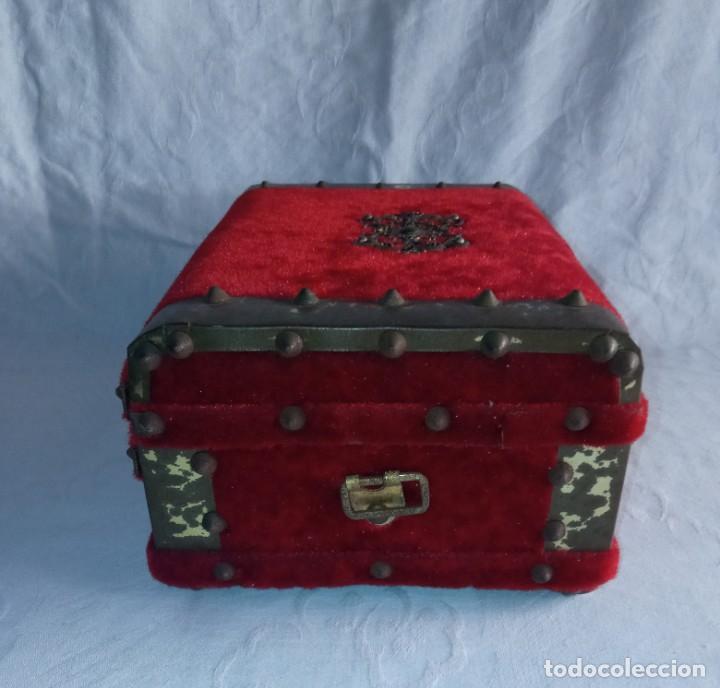 Antigüedades: Antiguo cofre baúl joyero con caja de música - Foto 4 - 276446633