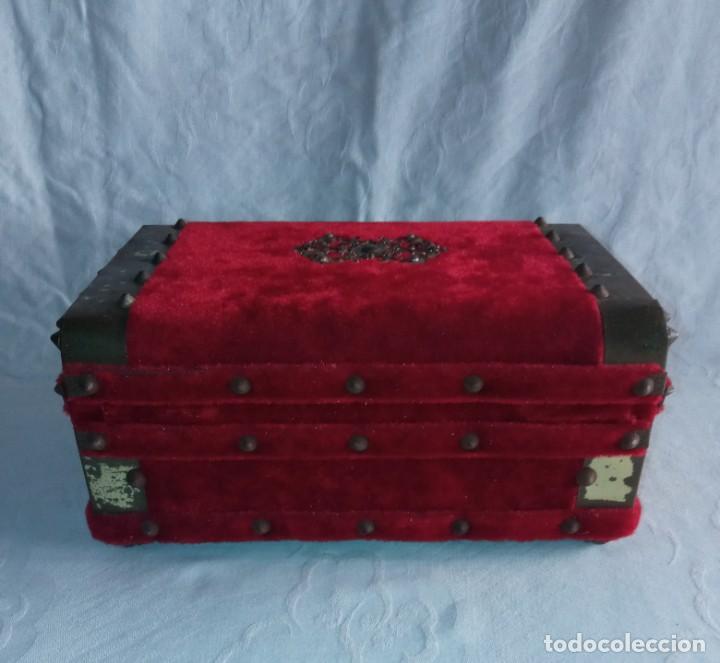 Antigüedades: Antiguo cofre baúl joyero con caja de música - Foto 5 - 276446633