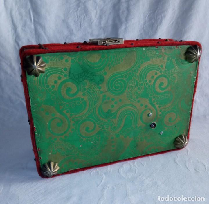 Antigüedades: Antiguo cofre baúl joyero con caja de música - Foto 7 - 276446633
