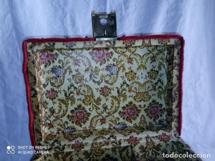 Antigüedades: Antiguo cofre baúl joyero con caja de música - Foto 10 - 276446633