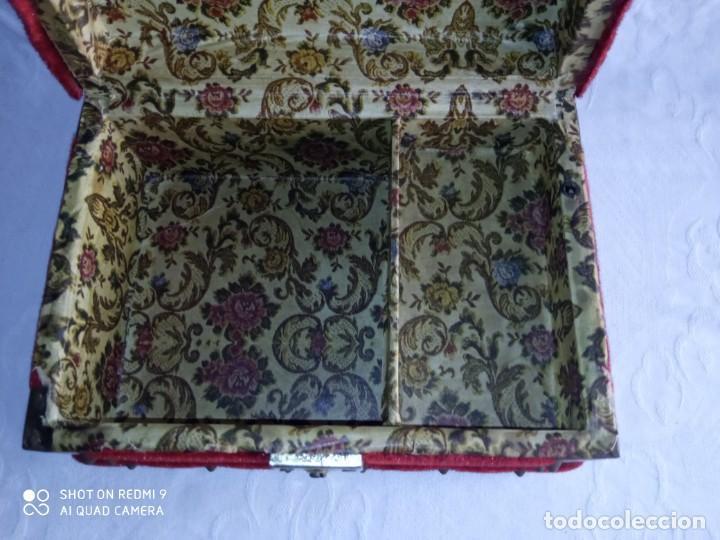 Antigüedades: Antiguo cofre baúl joyero con caja de música - Foto 11 - 276446633