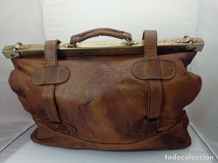 Antigüedades: Antigua maleta Bolso de Viaje en piel . Maletín tipo médico doctor - Foto 3 - 276569813